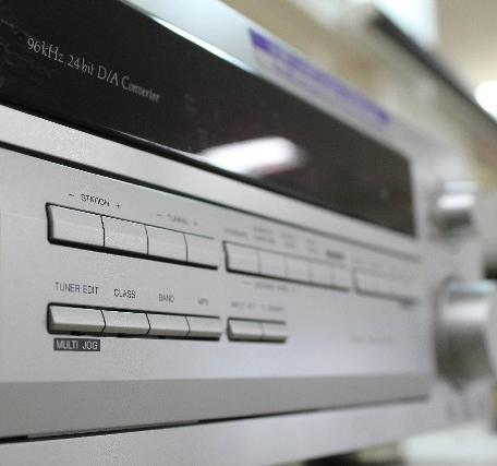 現在はほとんどの方がテレビとセットでHDDレコーダーやDVDプレイヤーなどのAV機器をお使いかと思います。